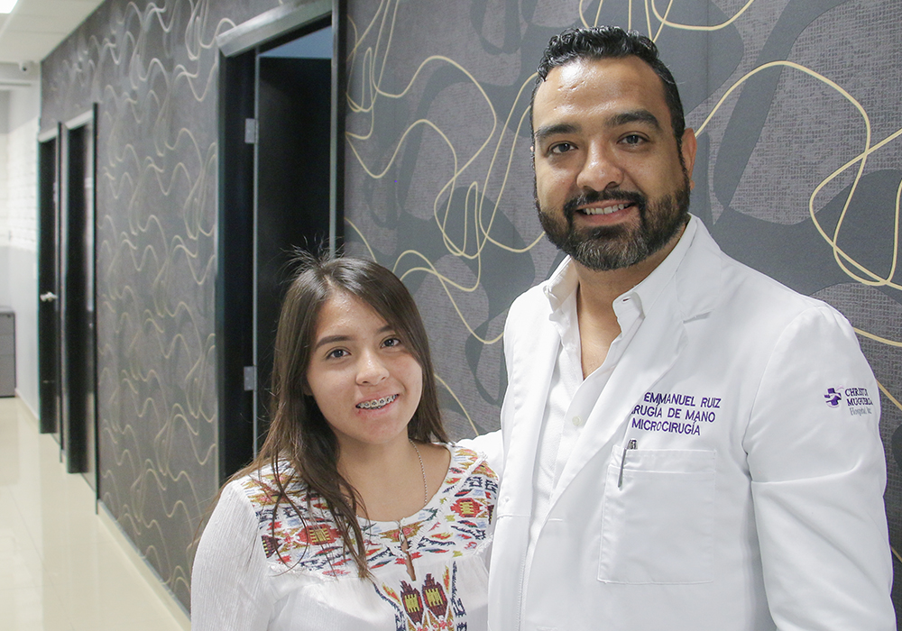 una-mano-para-tus-manos-campaign-social-surgeries-free-dr-emmanuel-ruiz-monterrey-surgeon-of-the-hand-5